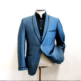 Sharkskin Dinner Jacket<span><br><span>Lightweight, wrinkle free with a little bit of sheen.<br><a href='http://www.businessinsider.com/how-to-live-out-of-a-suitcase-2014-8' target='blank' style='text-decoration:underline;color:#ddd'><b>Read More</b></a></span></span>