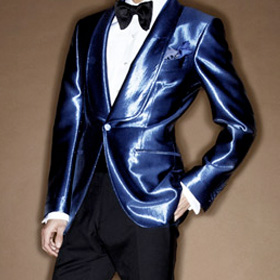 Dinner Jackets<span><br><span>&quot;I need you to look like a man that belongs at the table.&quot; - Casino Royale<br><a href='http://www.tomford.com/collections/' target='blank' style='text-decoration:underline;color:#ddd'><b>Read More</b></a></span></span>